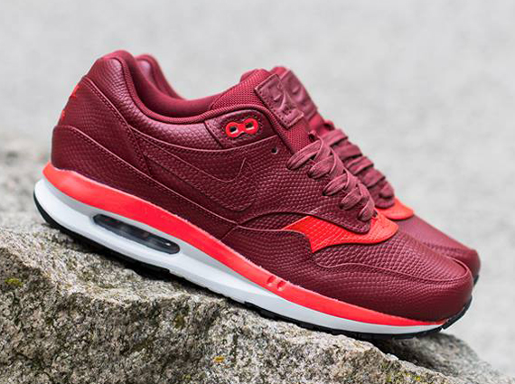 nike-air-max-lunar1-deluxe-team-red-challenge-red-02