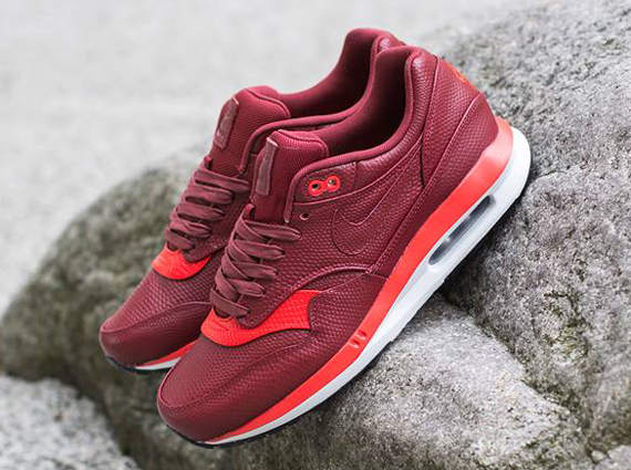 Air Max Lunar1 Deluxe RedBurgundy First Look WearTesters