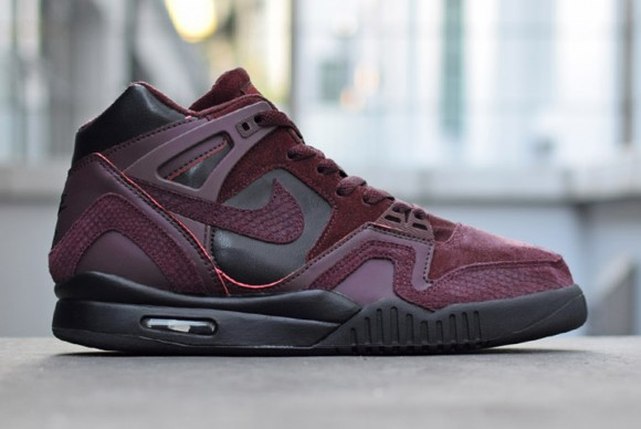 nike-air-tech-challenge-ii-suede-pack-6