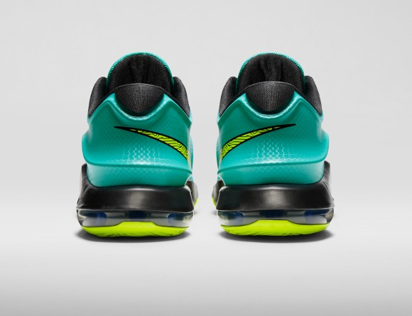KD7-Uprising-653996_370_back_FB_original