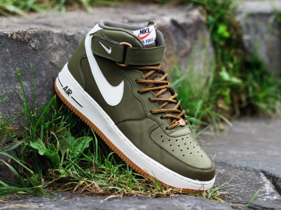 Nike Air Force 1 Mid Medium Olive:Sail:Light Brown 1