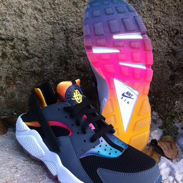 Nike Air Huarache 'Rainbow Neoprene