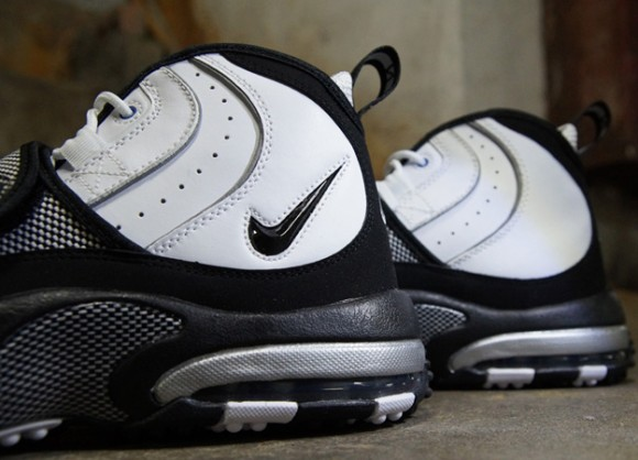 Nike-Air-Max-Pro-Streak-White-Black-Silver-5