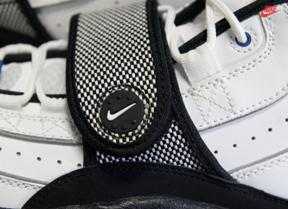 Nike-Air-Max-Pro-Streak-White-Black-Silver-6