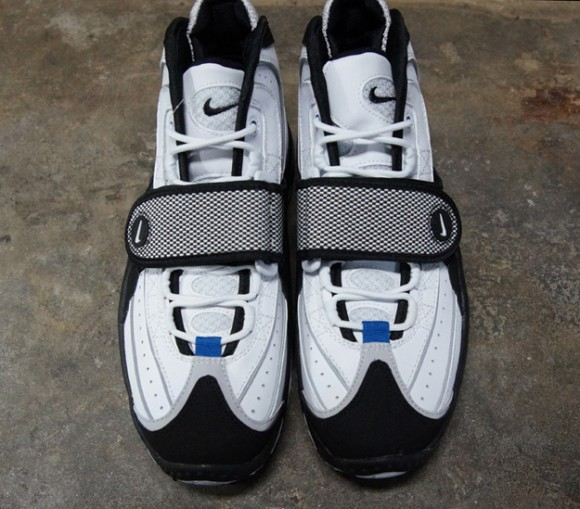 Nike-Air-Max-Pro-Streak-White-Black-Silver-7