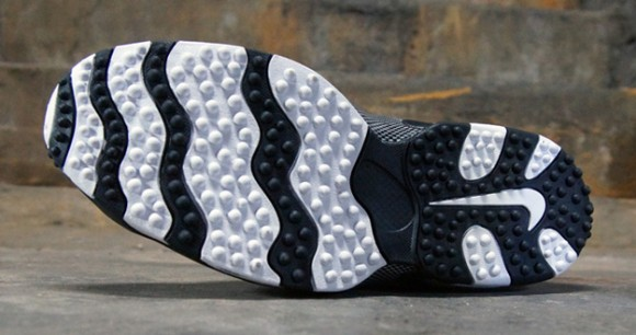 Nike-Air-Max-Pro-Streak-White-Black-Silver-9