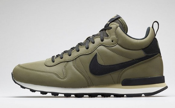 Nike Internationalist Mid-10