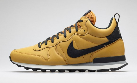 Nike Internationalist Mid-7