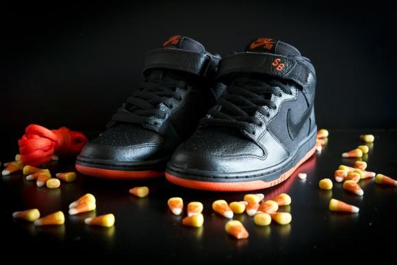 """Nike SB Dunk Mid """"Halloween""""3"""