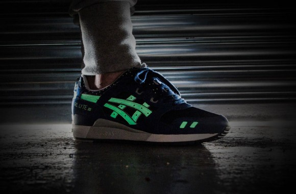asics-glow-in-the-dark-pack-03