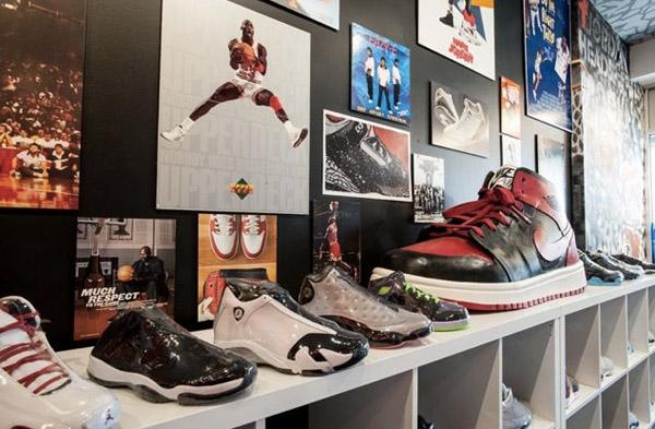 photos officielles 9d834 9fd6f Air Jordan Only Boutique Opens In Brooklyn