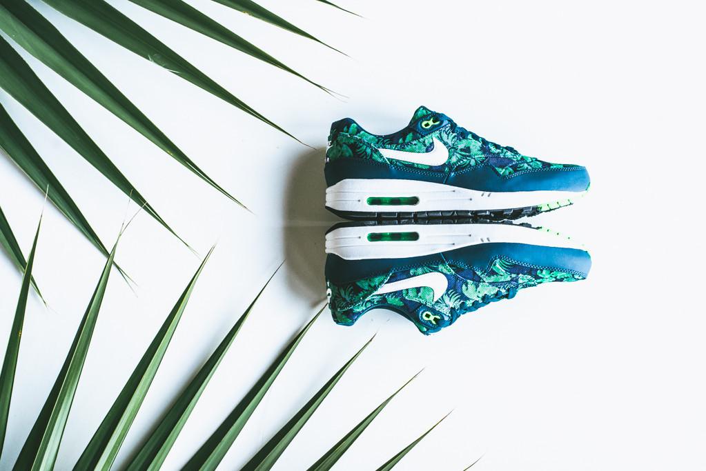 Nike Roshe Run (Space Blue Poison Green Palm Tree) US SZ 10