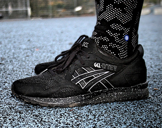 asics-gel-lyte-v-black-speckle-01