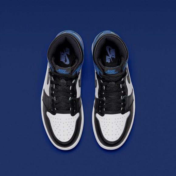 Air Jordan 1 x Fragment – Up Close & Personal4