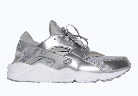 Nike Air Huarache 'Metallic Silver' – Available Now1