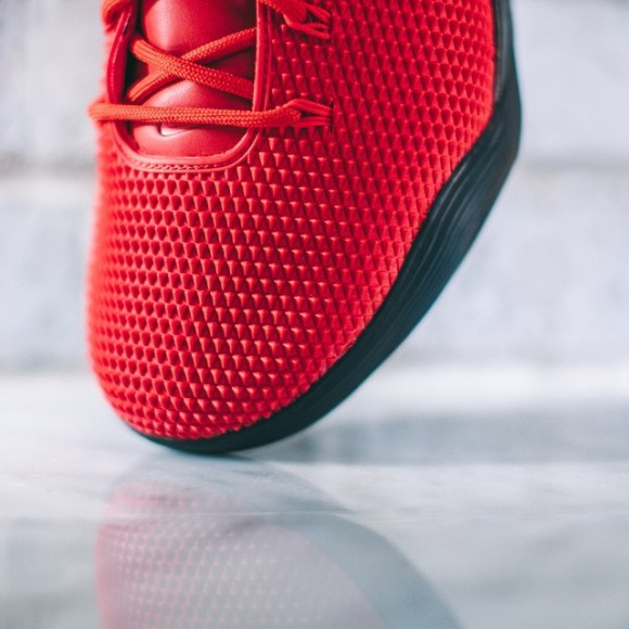 Nike Kobe 9 KRM EXT 'Challenge Red' – On-Feet Look2