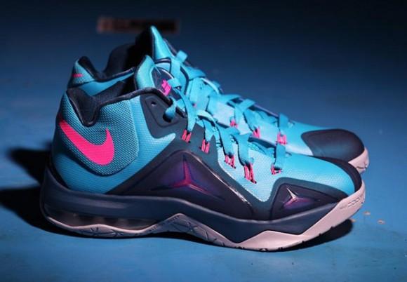 Nike LeBron Ambassador 7 'Blue Lagoon' 1