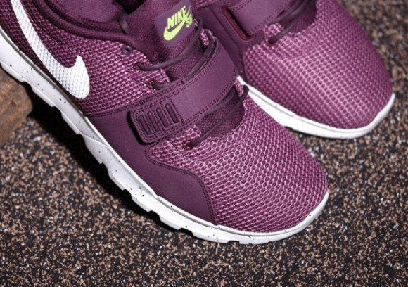 Nike SB Trainerendor 'Merlot' 4