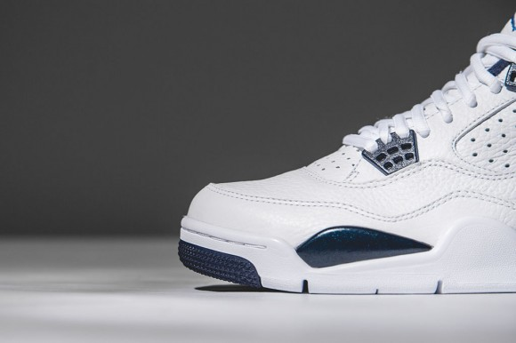 Air Jordan 4 Retro 'Columbia: Legend Blue' – Detailed Look4