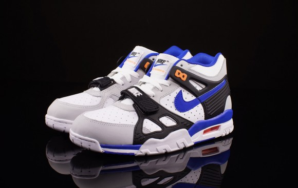 Nike Air Trainer 3 Lion Blue Total Orange 1