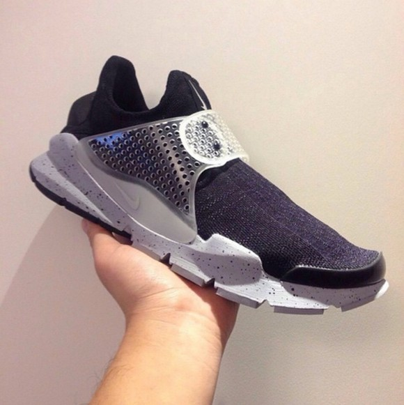 nike-sock-dart-oreo-sample