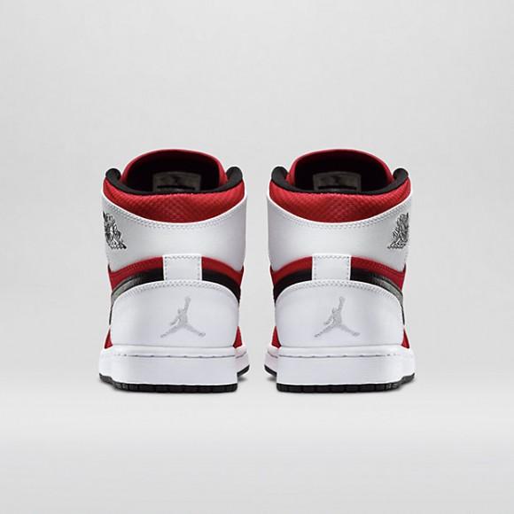 Air Jordan 1 Retro High 'Blake Griffin' – Available Now3