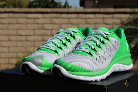 Jordan Flight Runner 2 Light Green: Pure Platinum 1