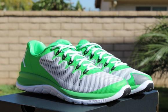Jordan Flight Runner 2 Light Green: Pure Platinum 3