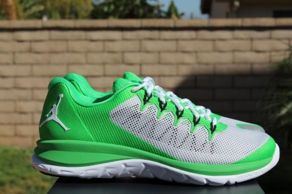 Jordan Flight Runner 2 Light Green: Pure Platinum 4