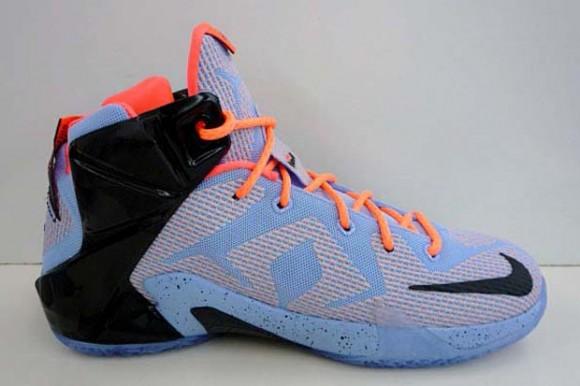 Nike LeBron 12 'Easter' 4