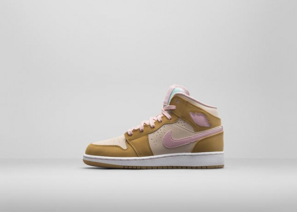 Air Jordan 1 Retro 'Hare' & 'Lola' - Official Look 7
