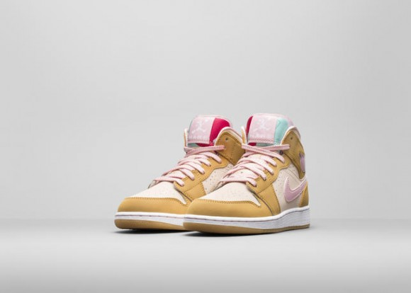Air Jordan 1 Retro 'Hare' & 'Lola' - Official Look 8