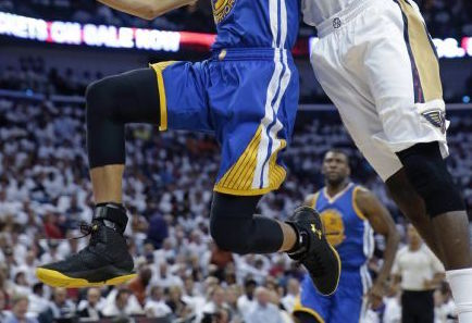 Chef Curry Sends the Pelicans Home in this new PE of the Under Armour Curry 1-1