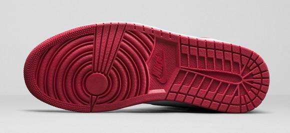 Air Jordan 1 Retro High OG 'Chicago' - Official Look + Release Info 6