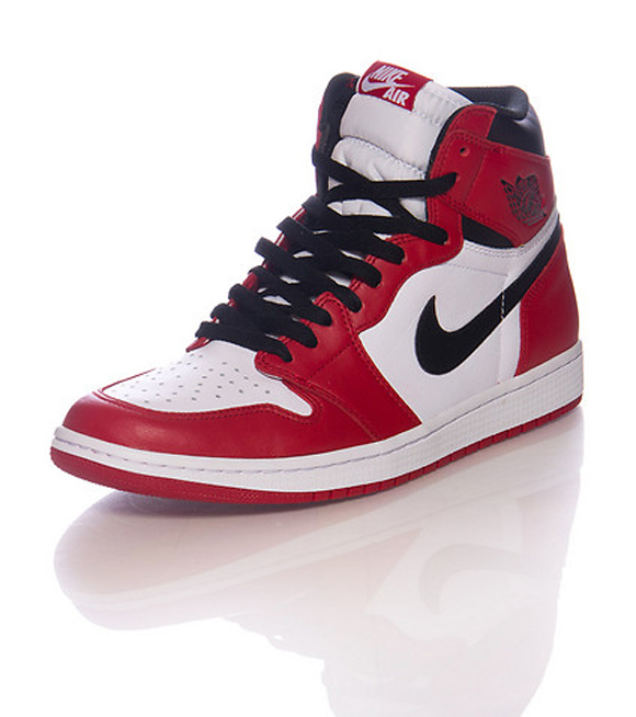 Air Jordan 1 Retro High OG 'Chicago' – Retail Images 1