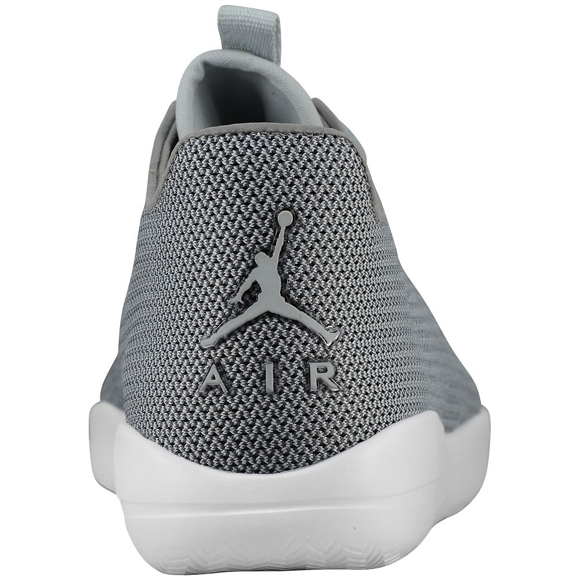 New Colorways of the Jordan Eclipse Hitting Retailers 3