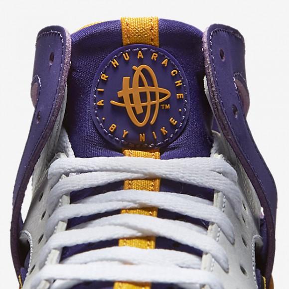 Nike Air Flight Huarache 'Los Angeles Lakers' tongue