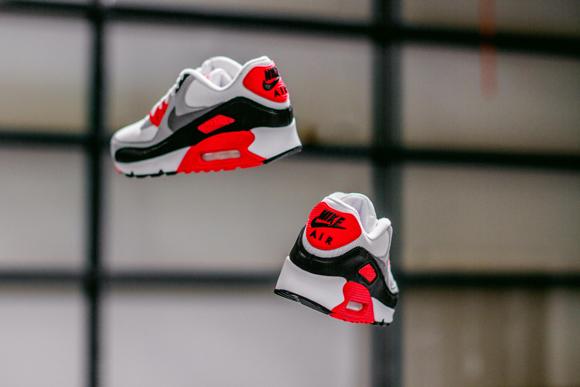Nike Air Max 90 'Infrared'  2