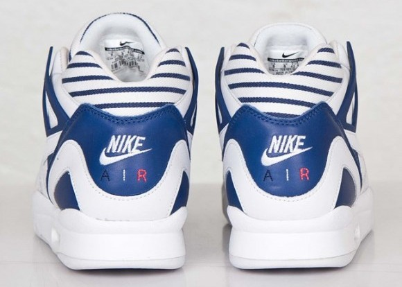 Nike Air Tech Challenge 2 'Pinstripes' heel