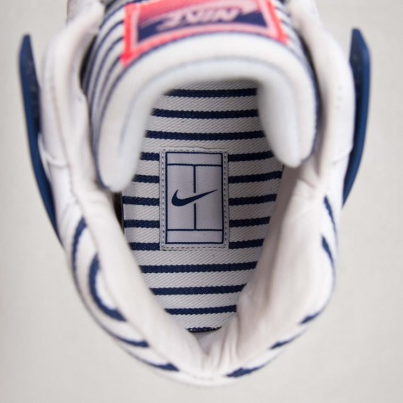 Nike Air Tech Challenge 2 'Pinstripes' insole