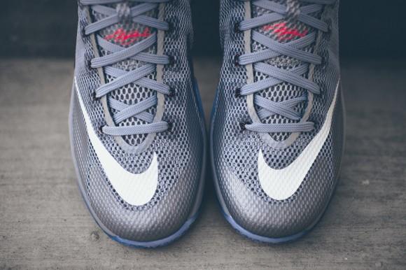 Nike_Lebron_XII_Low_Hot_Lava_Sneaker_POlitics_Hypebeast_7_1024x1024
