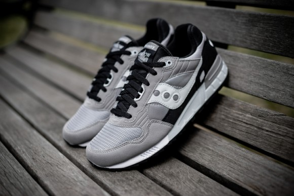 sigaro pollo test  Saucony Shadow 5000 Grey Black - White 2 - WearTesters