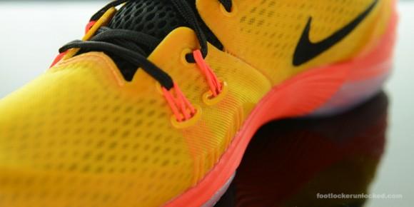 Nike Zoom Kobe Venomenon 5 'University Gold' Arriving at Retailers Now 10