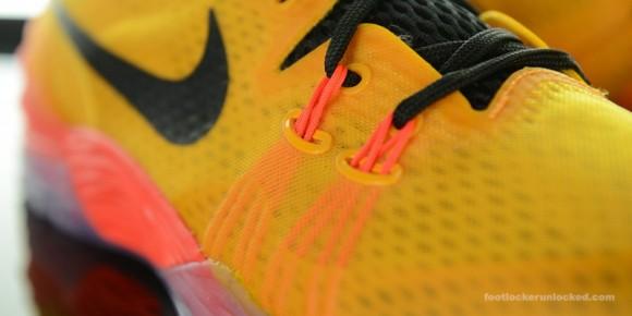 Nike Zoom Kobe Venomenon 5 'University Gold' Arriving at Retailers Now 11