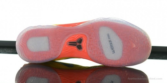 Nike Zoom Kobe Venomenon 5 'University Gold' Arriving at Retailers Now 7