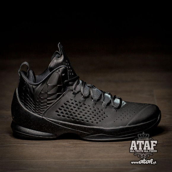 The Jordan Melo M11 Finally Gets Murdered Out 1