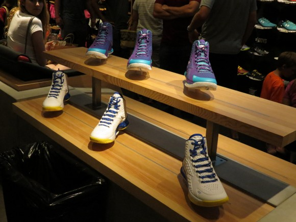 UA Orlando Curry One display