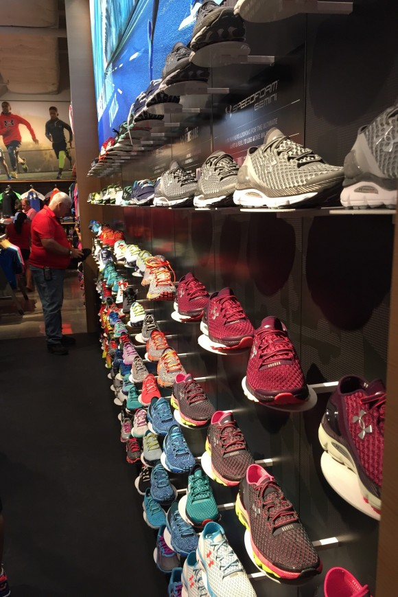 UA Orlando Shoewall Close up