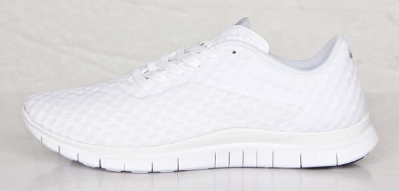 all-white Nike Free Hypervenom Low lateral