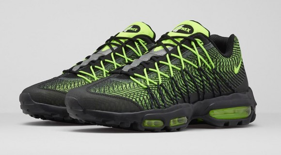 A Classic Nike Air Max 95 Gets an Upgrade 2